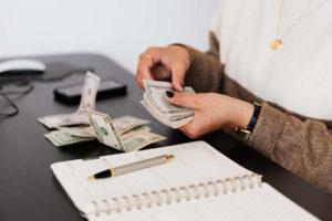 Wie Thumbify internationale Geschäfte managt und Wechselbüros unterstützt